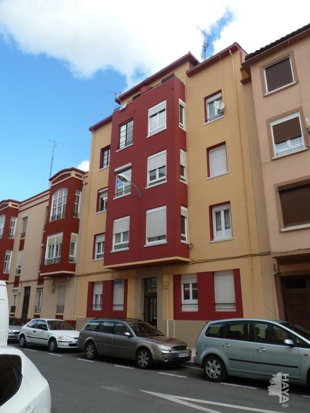 Piso en venta en Allende, Miranda de Ebro, Burgos, Calle Santa Lucia, 55.500 €, 4 habitaciones, 1 baño, 108 m2