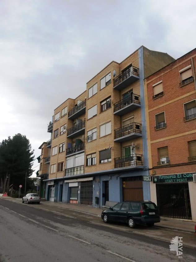 Piso en venta en Alfaro, La Rioja, Avenida Via de (la), 59.000 €, 3 habitaciones, 1 baño, 84 m2