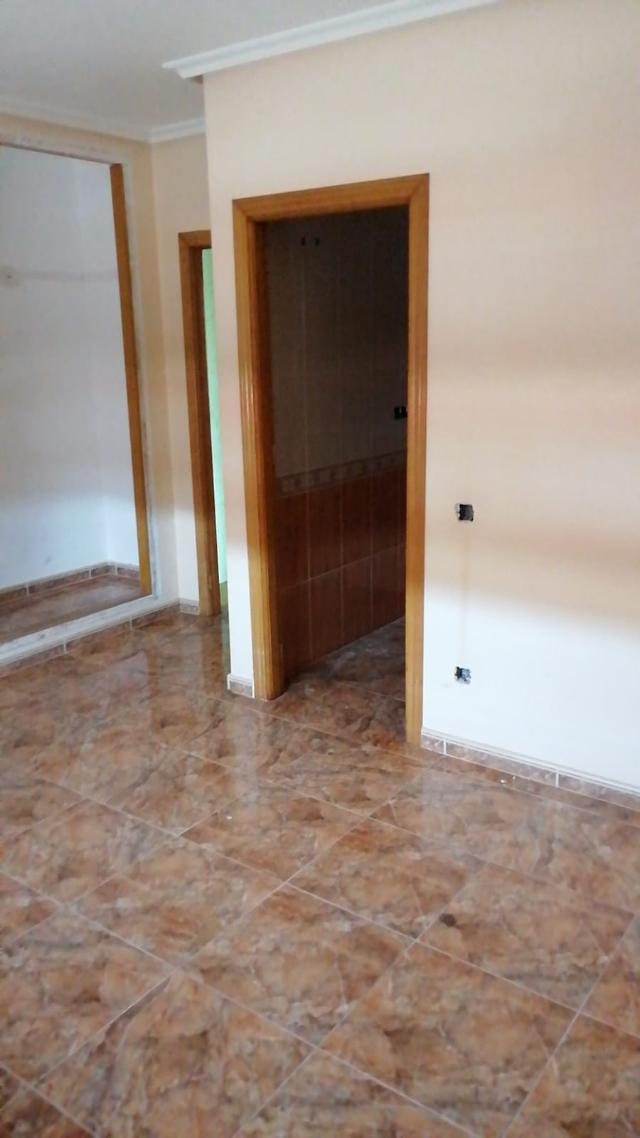 Piso en venta en Piso en Catral, Alicante, 98.000 €, 3 habitaciones, 2 baños, 190 m2