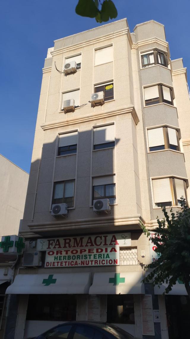 Piso en venta en Piso en Elche/elx, Alicante, 71.900 €, 3 habitaciones, 2 baños, 101 m2