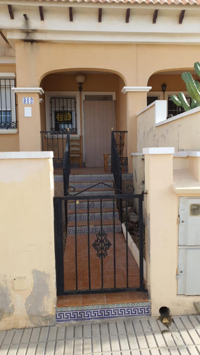 Casa en venta en Orihuela, Alicante, Calle Nervion, 125.000 €, 3 habitaciones, 2 baños, 76 m2