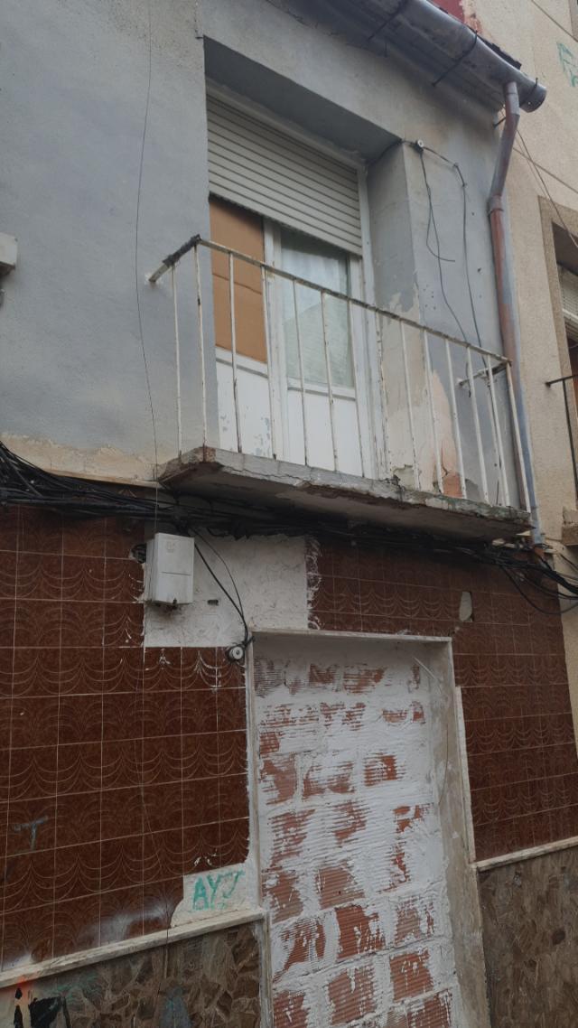 Piso en venta en Orihuela, Alicante, Calle Barrionuevo, 35.000 €, 5 habitaciones, 2 baños, 87 m2