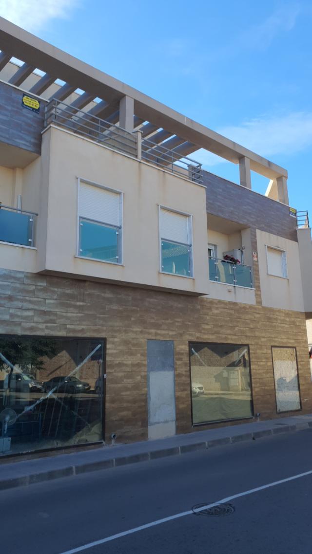 Piso en venta en Pilar de la Horadada, Alicante, Calle 12 de Octubre, 72.529 €, 2 habitaciones, 1 baño, 66 m2