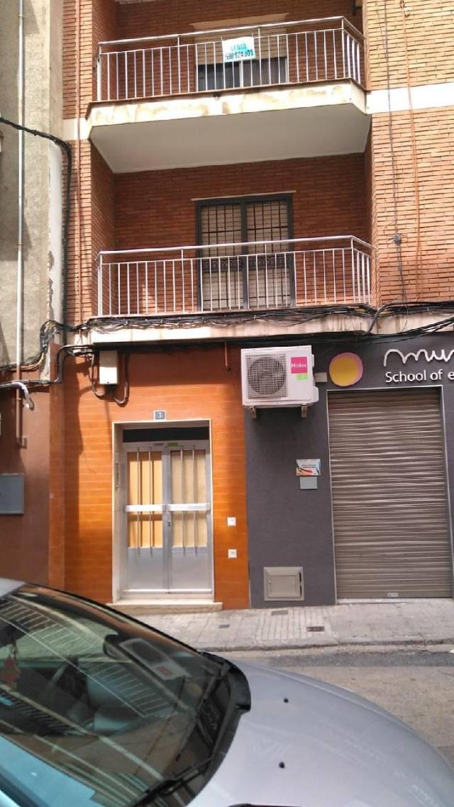 Piso en venta en Puertollano, Ciudad Real, Calle Menendez Pelayo, 66.600 €, 4 habitaciones, 1 baño, 134 m2