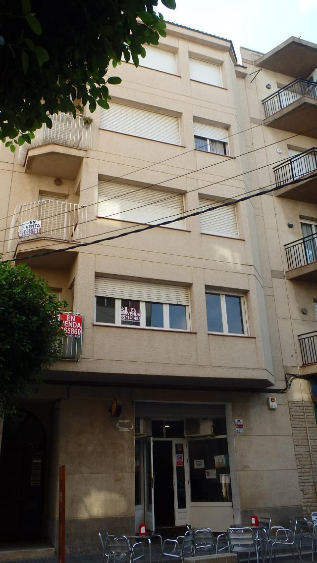 Piso en venta en Piso en Cambrils, Tarragona, 61.400 €, 2 habitaciones, 1 baño, 67 m2