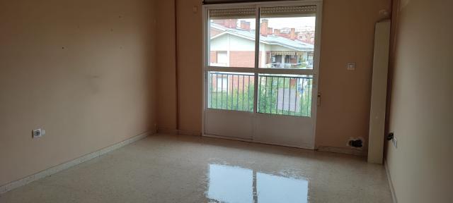 Piso en venta en Andújar, Jaén, Avenida Veintiocho de Febrero, 30.400 €, 3 habitaciones, 1 baño, 80 m2