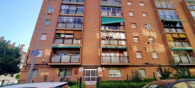 Piso en venta en Adoratrices, Guadalajara, Guadalajara, Travesía Hermanos Ros Emperador, 73.061 €, 3 habitaciones, 1 baño, 83 m2
