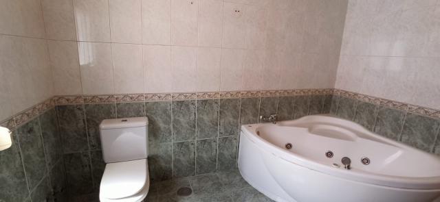 Casa en venta en Casa en Tomelloso, Ciudad Real, 80.000 €, 4 habitaciones, 2 baños, 191 m2