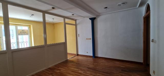 Piso en venta en Piso en Burgos, Burgos, 86.000 €, 3 habitaciones, 1 baño, 87 m2