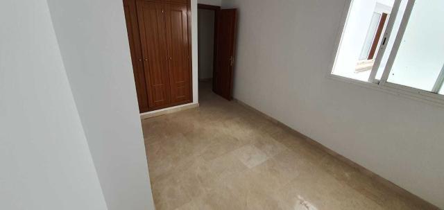 Piso en venta en Piso en Sanlúcar la Mayor, Sevilla, 90.000 €, 3 habitaciones, 1 baño, 90 m2