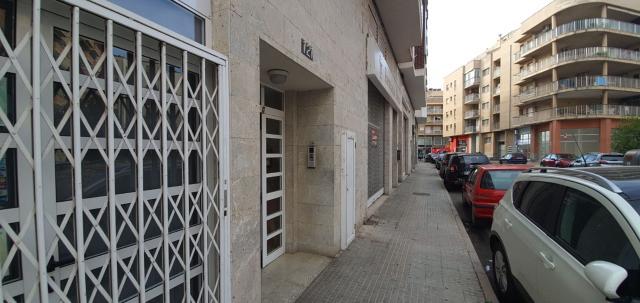 Piso en venta en Amposta, Tarragona, Calle Barcelona, 69.000 €, 3 habitaciones, 2 baños, 110 m2