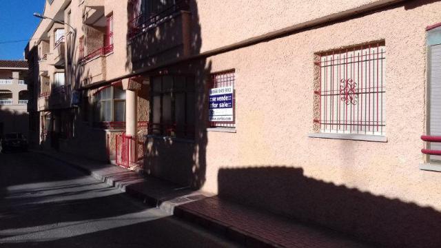 Piso en venta en Piso en San Pedro del Pinatar, Murcia, 83.000 €, 2 habitaciones, 1 baño, 76 m2