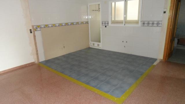Piso en venta en Piso en Agost, Alicante, 79.500 €, 3 habitaciones, 2 baños, 147 m2