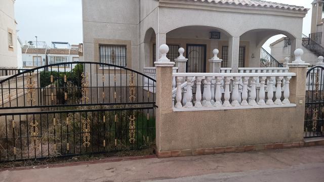 Casa en venta en Orihuela, Alicante, Calle Leman, 126.000 €, 2 habitaciones, 1 baño, 63 m2