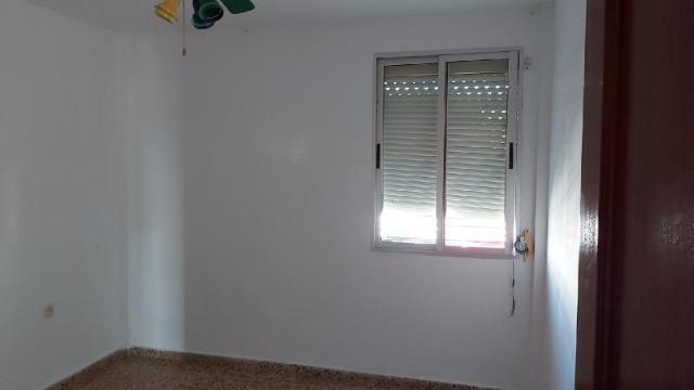 Piso en venta en Jerez de la Frontera, Cádiz, Calle Vino Fino, 74.300 €, 4 habitaciones, 1 baño, 109 m2