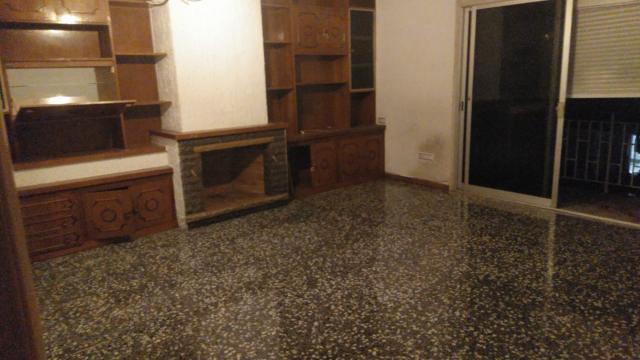 Piso en venta en Piso en Vilanova I la Geltrú, Barcelona, 150.000 €, 121 m2
