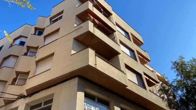Piso en venta en Tortosa, Tarragona, Calle Horta, 79.000 €, 4 habitaciones, 129 m2