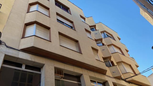 Piso en venta en Piso en Tortosa, Tarragona, 75.000 €, 4 habitaciones, 129 m2