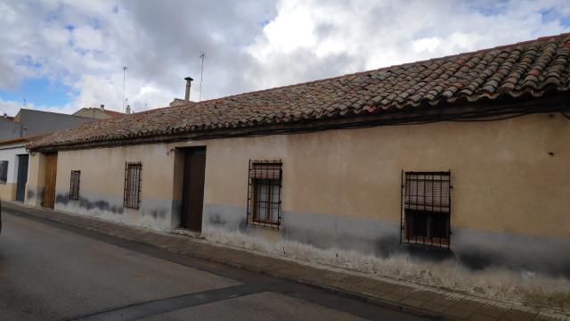 Casa en venta en Casa en Villarrobledo, Albacete, 73.100 €, 5 habitaciones, 1 baño, 236 m2