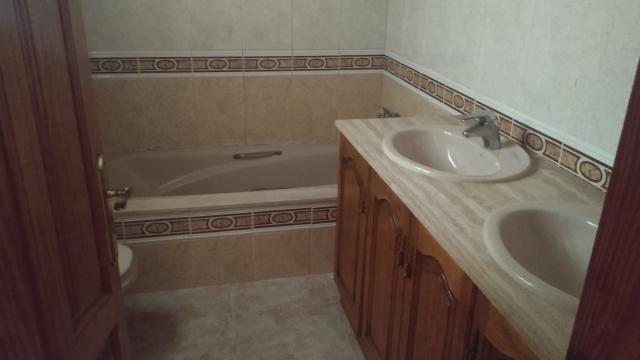 Piso en venta en Piso en Arrecife, Las Palmas, 155.000 €, 3 habitaciones, 2 baños, 147 m2