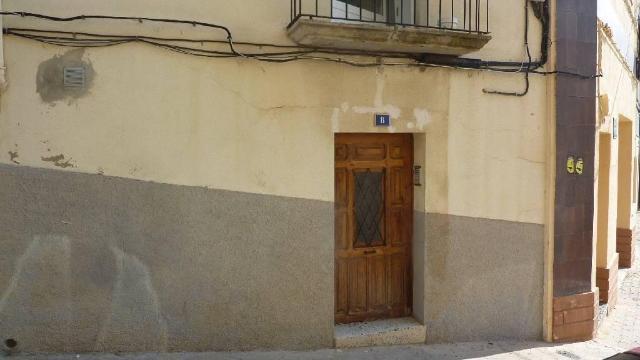 Piso en venta en Alcañiz, Teruel, Calle Virgen del Loreto, 46.000 €, 2 baños, 92 m2