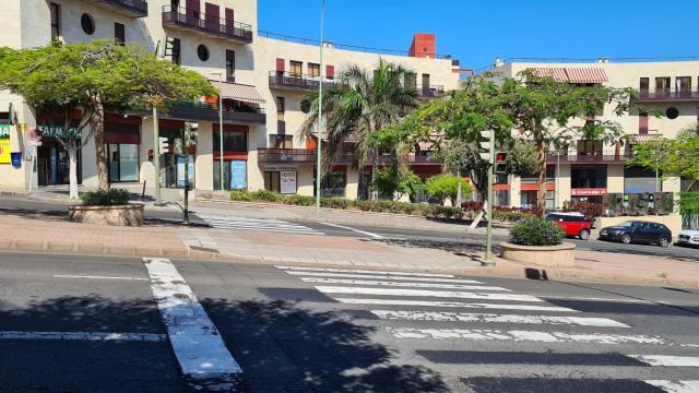 Piso en venta en Las Torres, la Palmas de Gran Canaria, Las Palmas, Avenida Juan Carlos I, 219.000 €, 4 habitaciones, 2 baños, 135 m2