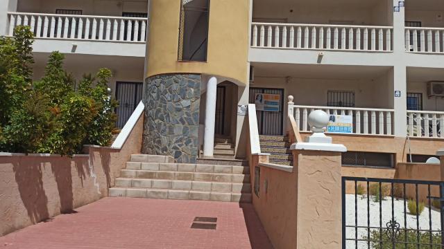 Piso en venta en Orihuela Costa, Orihuela, Alicante, Calle Astillo de la Atalaya, 71.800 €, 2 habitaciones, 1 baño, 71 m2