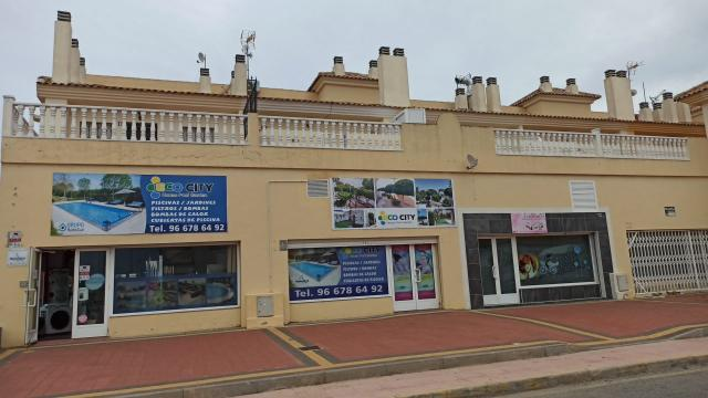 Piso en venta en Piso en Torrevieja, Alicante, 58.000 €, 2 habitaciones, 1 baño, 60 m2