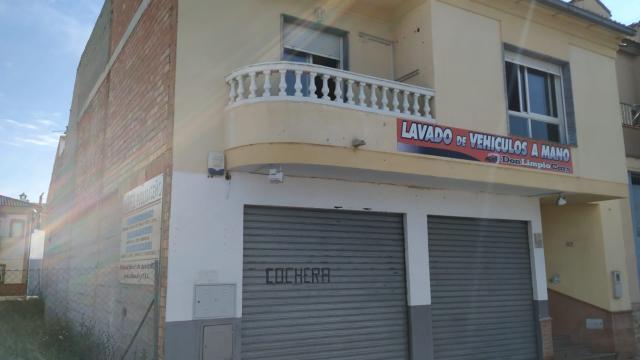 Piso en venta en Piso en Pinos Puente, Granada, 55.000 €, 4 habitaciones, 1 baño, 109 m2