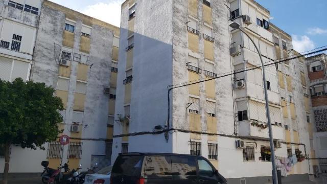Piso en venta en Los Albarizones, Jerez de la Frontera, Cádiz, Calle Poligono San Telmo, 29.000 €, 3 habitaciones, 1 baño, 77 m2