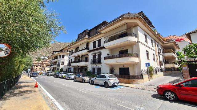 Piso en venta en Barrio de Monachil, Monachil, Granada, Calle Rio, 121.500 €, 3 habitaciones, 2 baños, 124 m2