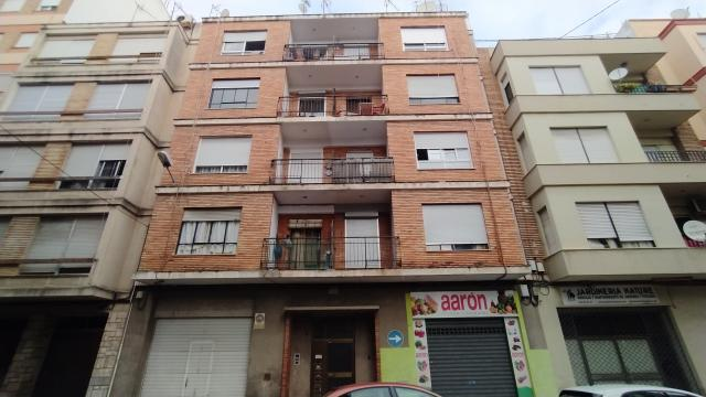 Piso en venta en Oliva, Valencia, Calle Obispo Juan Osta, 38.000 €, 4 habitaciones, 2 baños, 117 m2