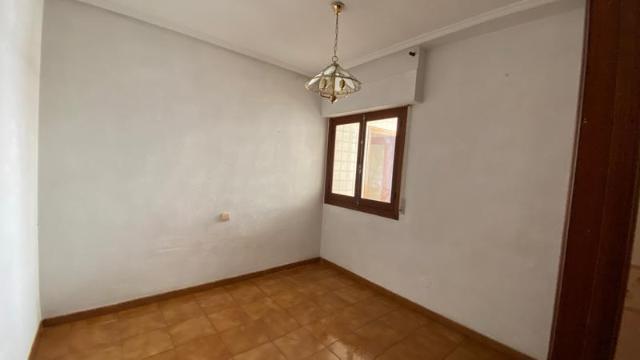 Piso en venta en Piso en Almoradí, Alicante, 58.000 €, 4 habitaciones, 2 baños, 117 m2