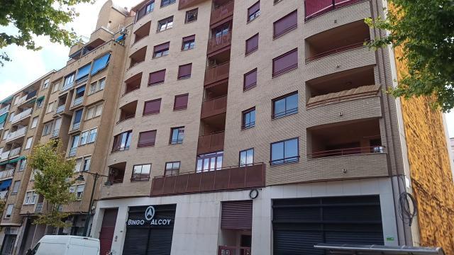 Piso en venta en Zona Nord, Alcoy/alcoi, Alicante, Avenida Juan Gil Albert, 144.000 €, 4 habitaciones, 2 baños, 195 m2