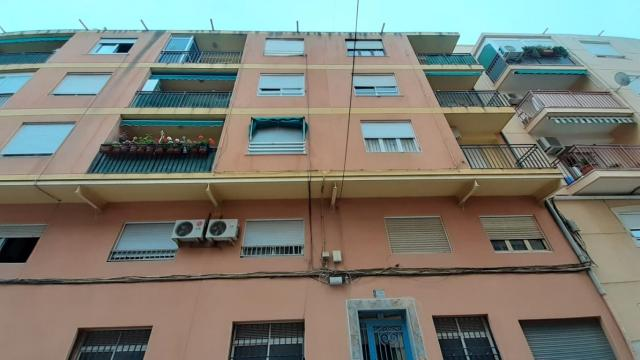 Piso en venta en Elda, Alicante, Calle Juan de la Cierva, 30.000 €, 4 habitaciones, 1 baño, 92 m2