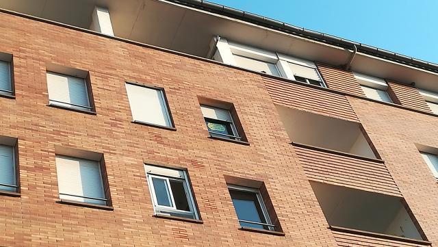 Piso en venta en El Sucre, Vic, Barcelona, Avenida Olimpia, 178.500 €, 3 habitaciones, 6 baños, 106 m2