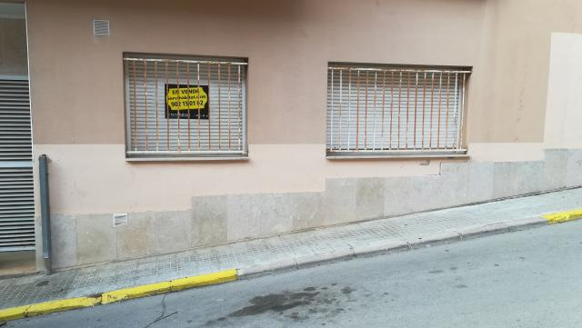 Piso en venta en Tordera, Barcelona, Calle Ramon Y Cajal, 83.700 €, 2 habitaciones, 2 baños, 96 m2