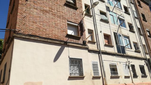 Piso en venta en Instituts - Templers, Lleida, Lleida, Calle Grupo Jose Antonio, 65.000 €, 3 habitaciones, 1 baño, 95 m2