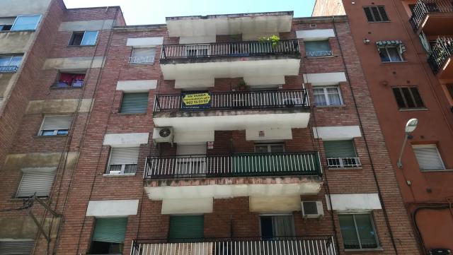 Piso en venta en Instituts - Templers, Lleida, Lleida, Calle Templers, 54.300 €, 4 habitaciones, 1 baño, 111 m2