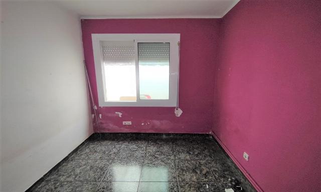 Piso en venta en Ca N`ustrell, Sabadell, Barcelona, Calle Serra D`en Camaro, 133.000 €, 2 habitaciones, 1 baño, 76 m2