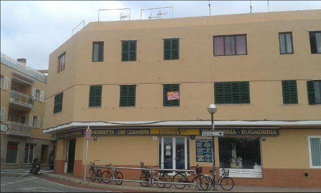 Piso en venta en Ciutadella de Menorca, Baleares, Calle Degollador, 92.500 €, 3 habitaciones, 1 baño, 80 m2