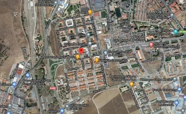 Local en venta en Esquibien, Cáceres, Cáceres, Calle Evora, 194.000 €, 263 m2