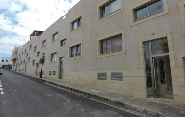 Piso en venta en La Oliva, Las Palmas, Calle Benito Pérez Galdós, 122.000 €, 2 habitaciones, 1 baño, 88 m2