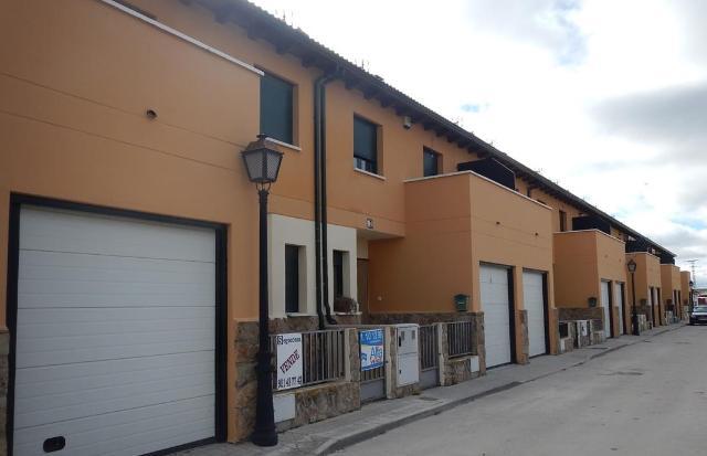 Casa en venta en Cantimpalos, Segovia, Calle de la Roda, 95.000 €, 154 m2