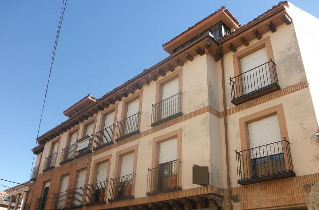Piso en venta en Prádena, Segovia, Calle la Plaza, 73.600 €, 141 m2