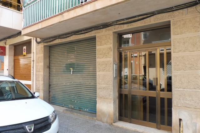 Local en venta en Local en Vilanova I la Geltrú, Barcelona, 65.600 €, 82 m2