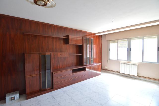 Piso en venta en Piso en Milagro, Navarra, 71.900 €, 3 habitaciones, 1 baño, 111 m2, Garaje