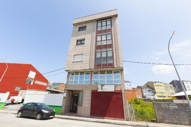 Piso en venta en Piso en Vilalba, Lugo, 94.100 €, 5 habitaciones, 258 m2