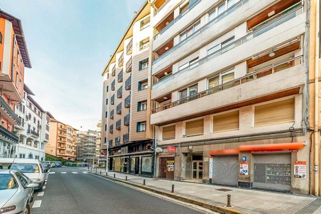 Local en venta en Pasai Antxo, Pasaia, Guipúzcoa, Calle Eskalantegui, 91.200 €, 162 m2