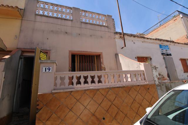 Piso en venta en Masia Nova, Vilanova I la Geltrú, Barcelona, Calle Ermengardis, 87.900 €, 1 baño, 54 m2
